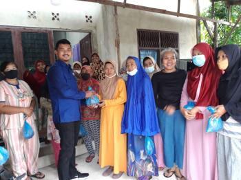 NasDem Riau Berbagi 150 Kg Rendang Lebaran & 1 Ton Beras