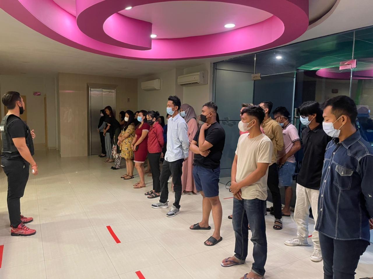 37 Pasangan Tanpa Ikatan Nikah Digerebek di Hotel Sabrina Pekanbaru
